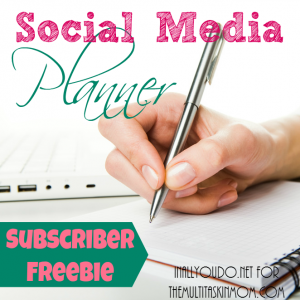 Overwhelmed by all your social media shares? Keep them all organized and running smoothly with this simple Social Media Planner Worksheet! :: www.themultitaskinmom.com